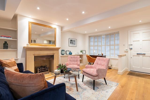 The living room is  perfect to relax after exploring London all day long!