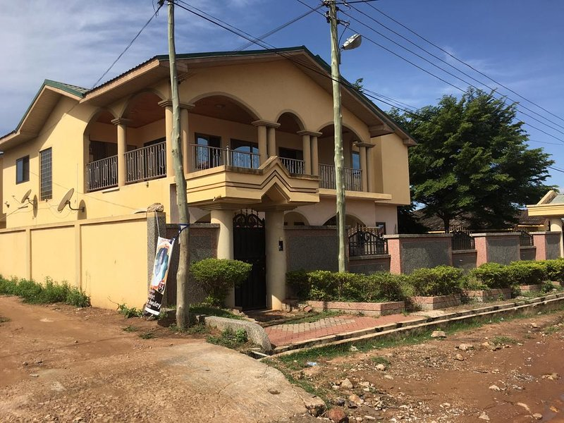 Nii's Place, Accra, vacation rental in Achimota