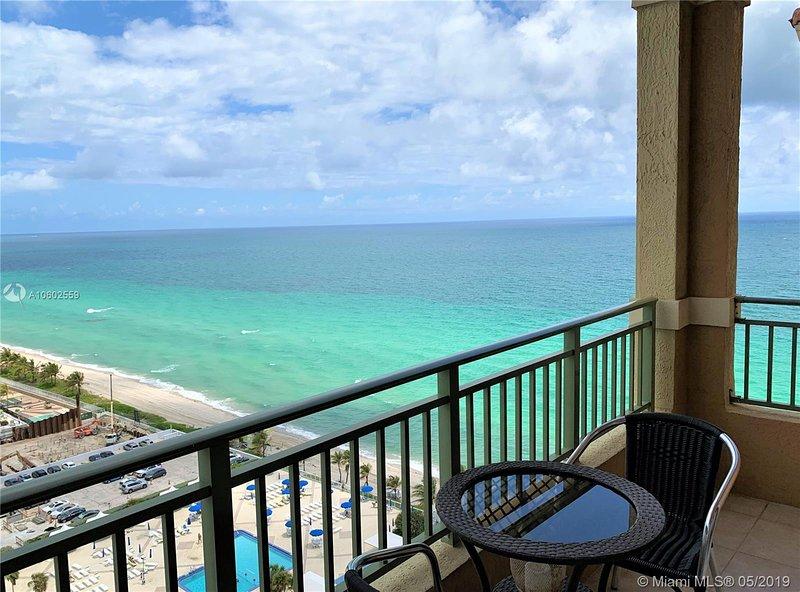 Beachfront Paradise!