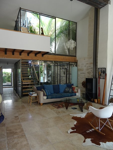 Spacious house with garden & Wifi, holiday rental in Laverune