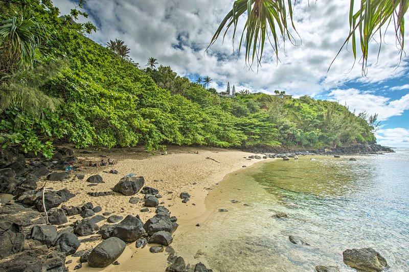 Princeville Condo w/ Balcony & Beach Access!, aluguéis de temporada em Kauai