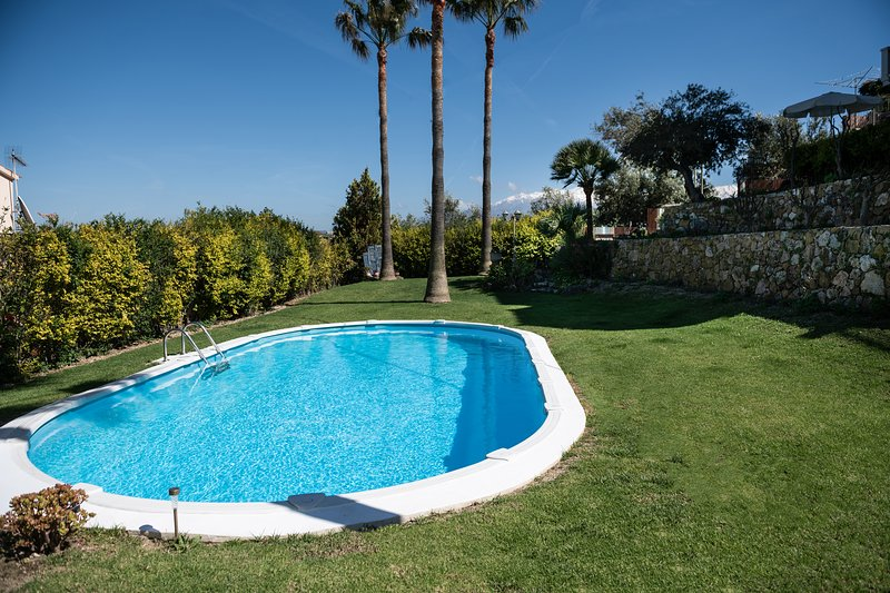 1. Studio Andromia - Seaview studios with pool, location de vacances à Agia Marina