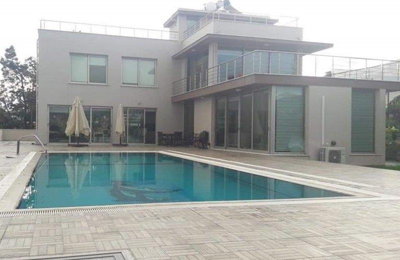 Breeze 4+1 Mountain Villa, vacation rental in Ozankoy