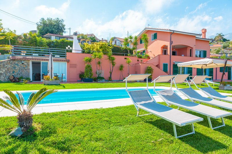 Villa Maddalena Sanremo - The Whole Villa - Villa Maddalena, vacation rental in Ospedaletti