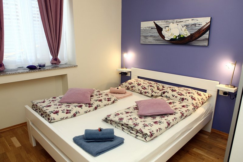 Cozy One-Bedroom Apartment MAK, casa vacanza a Secovlje