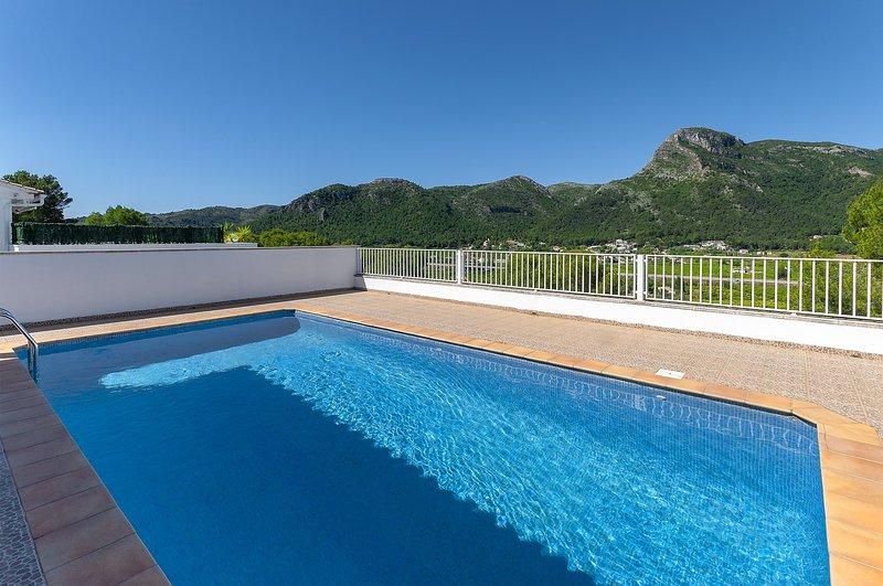 TOMILLO - Villa for 8 people in URB. Santa Marta, Gandia, holiday rental in Alfauir