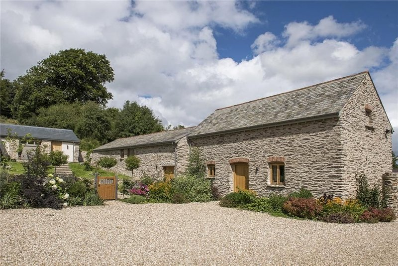 The Cowshed, Brendon Hill - Fabulous rural retreat for 2, high quality accommoda, location de vacances à Wiveliscombe