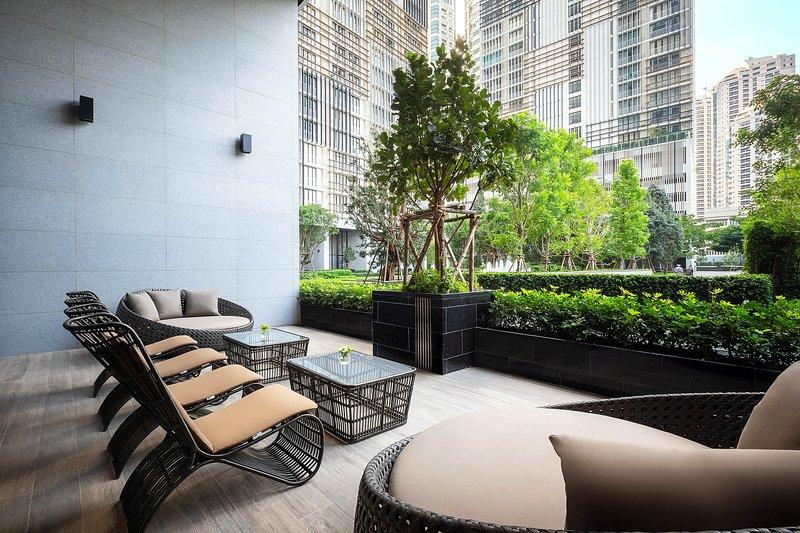 The Park at EM District Managed by The Ascott -Two-Bedroom Executive II, alquiler de vacaciones en Bangkok