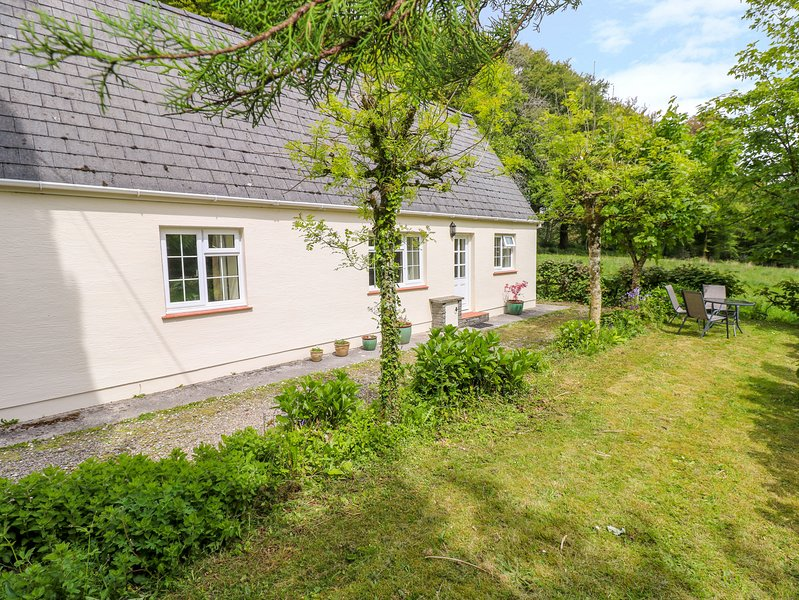 THE CROFT, pet-friendly, WiFi, near Narberth, holiday rental in Clunderwen