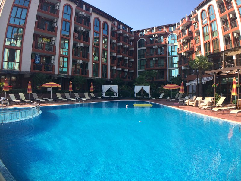 Spacious well-equipped apartments, vacation rental in Nessebar