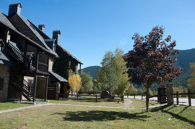 Apartment with mountain view, alquiler vacacional en Altron
