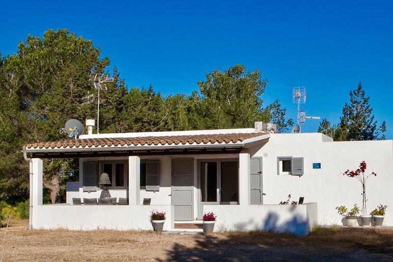 Amazing house with garden & terrace, casa vacanza a Es Cap de Barbaria