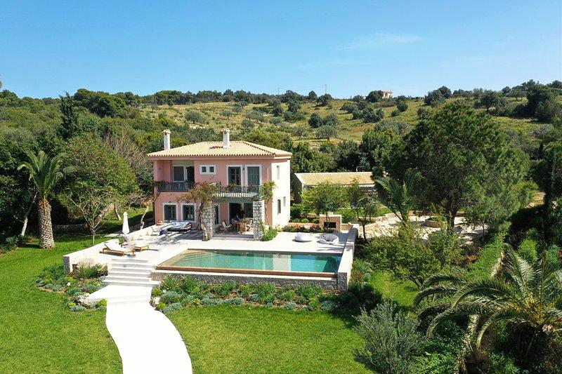 Villa Iris - Luxury beachfront traditional villa with