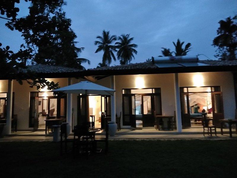 Ruk Villa No 1, Hikkaduwa, Srilanka, holiday rental in Dodanduwa
