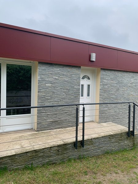 Petite maison de caractère, location de vacances à Biéville-Beuville