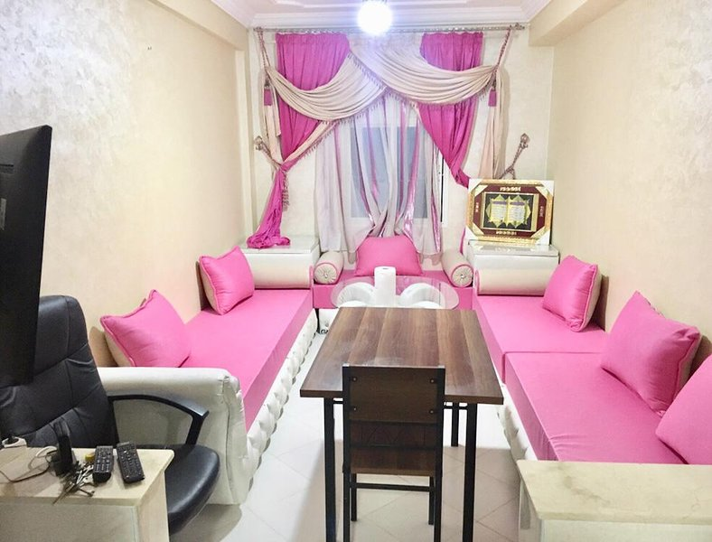 Beautiful apartment with terrace, holiday rental in Al Hoceima