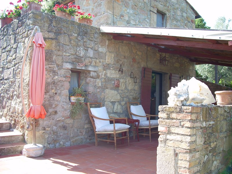 Beautiful house with terrace & Wifi, vacation rental in Ribolla