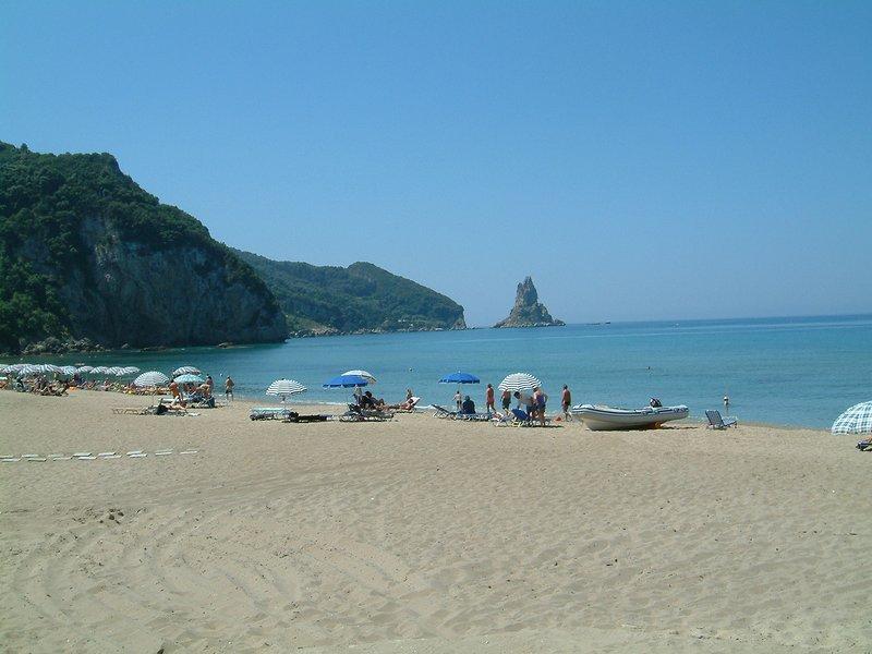 Holiday Studio Apartments yannis on the beach of Agios Gordios in Corfu, holiday rental in Pentati