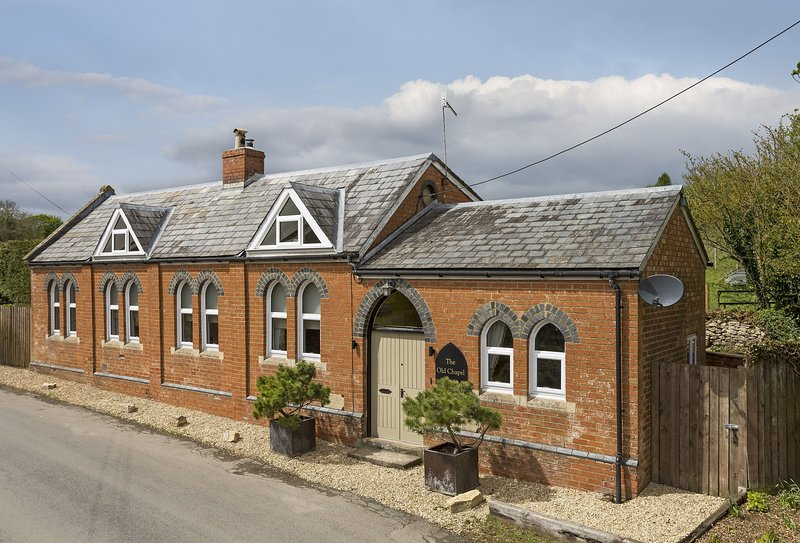 The Old Chapel, holiday rental in Colesbourne