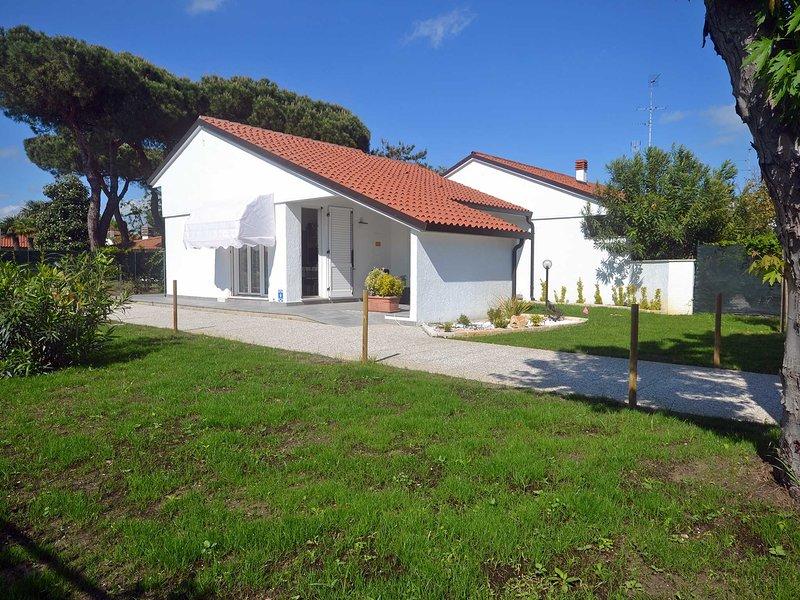 Villa ristrutturata al piano terra con ampio giardino in angolo, aluguéis de temporada em Lido delle Nazioni