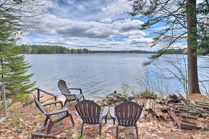 Lakefront Hartford Cabin w/ Canoe & Boat Ramp, vacation rental in North Monmouth