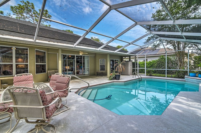 Experience the beauty of Florida from this tropical Homosassa home!