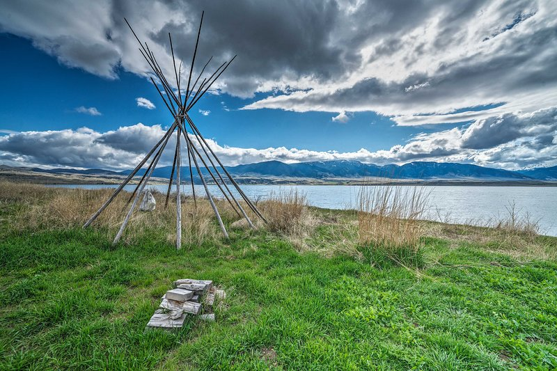 Ready for your modern Montana getaway? Book now!