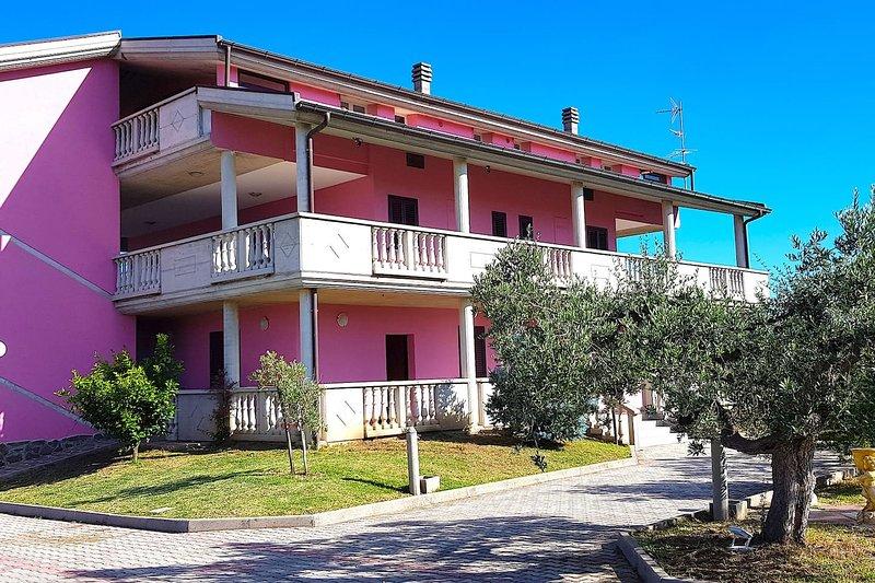 Casa Villa Rita - Appartamento 'N' - Vasto P.Penna, holiday rental in Genova-Rulli