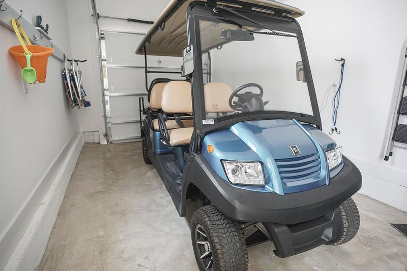Golf Cart Included w/ Rental!