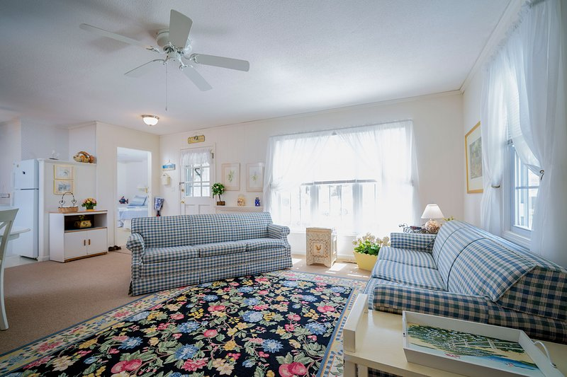 NEW LISTING! Captain Gosnold Village - 3BR Cottage (Unit 17ABC) - Walk to Beach, holiday rental in Hyannis