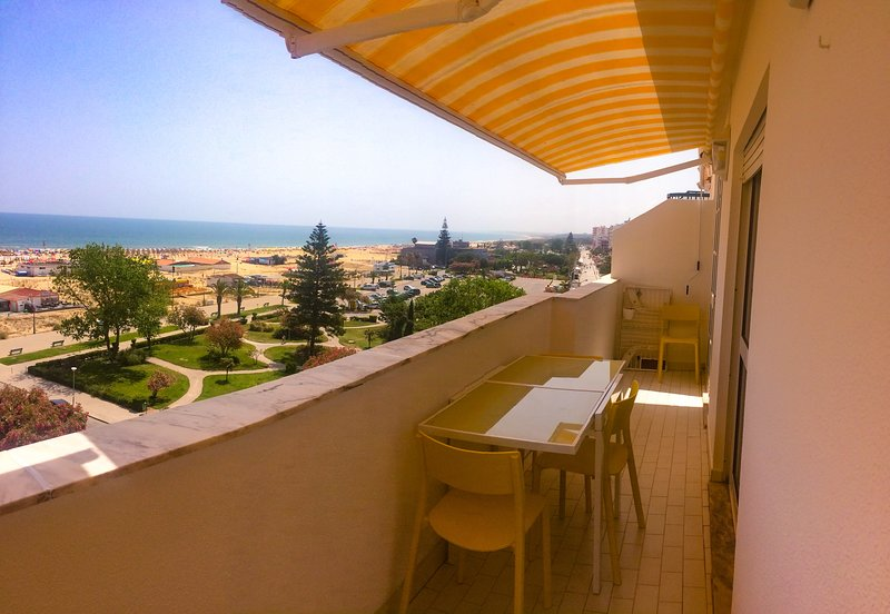 1-Bed Apt BEACH: Seasun Vacation Rentals (discount for stays +28 nights) – semesterbostad i Monte Gordo