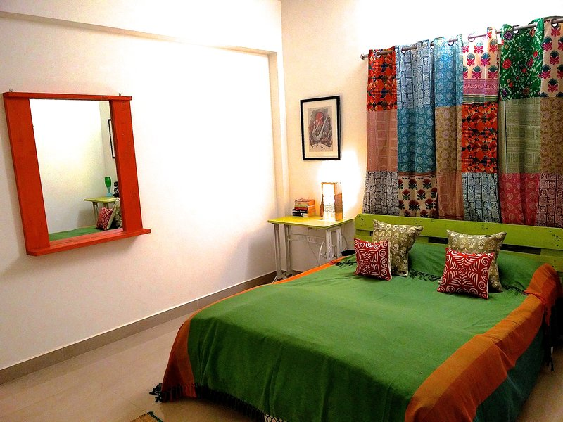 The Assagao House - 1 BHK Designer Villa, vacation rental in Nagoa