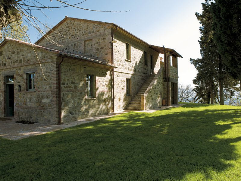 Piazze Villa Sleeps 12 with Pool Air Con and WiFi - 5247906, holiday rental in Fighine
