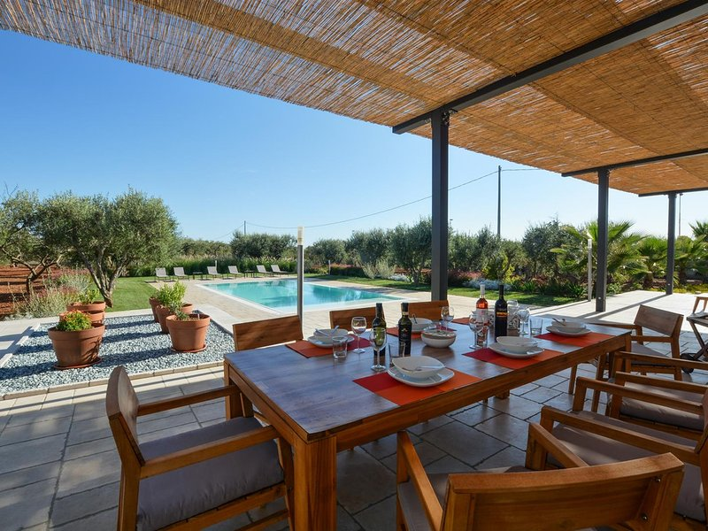 Salignano Villa Sleeps 8 with Pool Air Con and WiFi - 5702655, holiday rental in Salignano