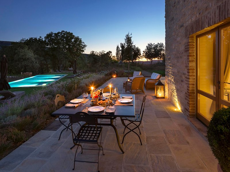 San Giovanni del Pantano Villa Sleeps 6 with Pool Air Con and WiFi - 5247524, holiday rental in Colle Umberto I