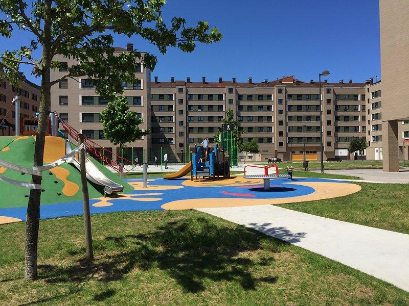 Apartamento zona residencial Gijón, 4 personas, aluguéis de temporada em Carreno Municipality