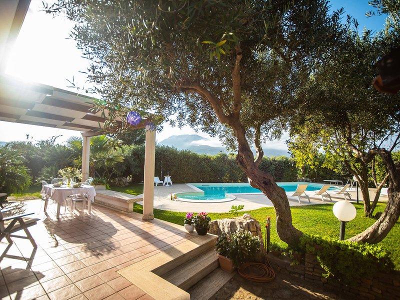 Case Boscia Villa Sleeps 6 with Pool Air Con and WiFi - 5247383, location de vacances à Case Di Girolamo