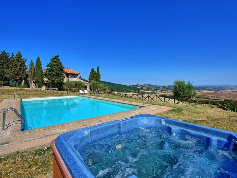Campiglia d'Orcia Villa Sleeps 22 with Pool and WiFi - 5247812, vacation rental in Bagni di San Filippo