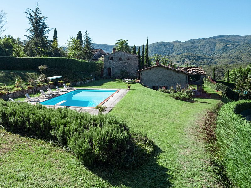 Barbiana Villa Sleeps 10 with Pool and WiFi - 5247576, holiday rental in Ricavo