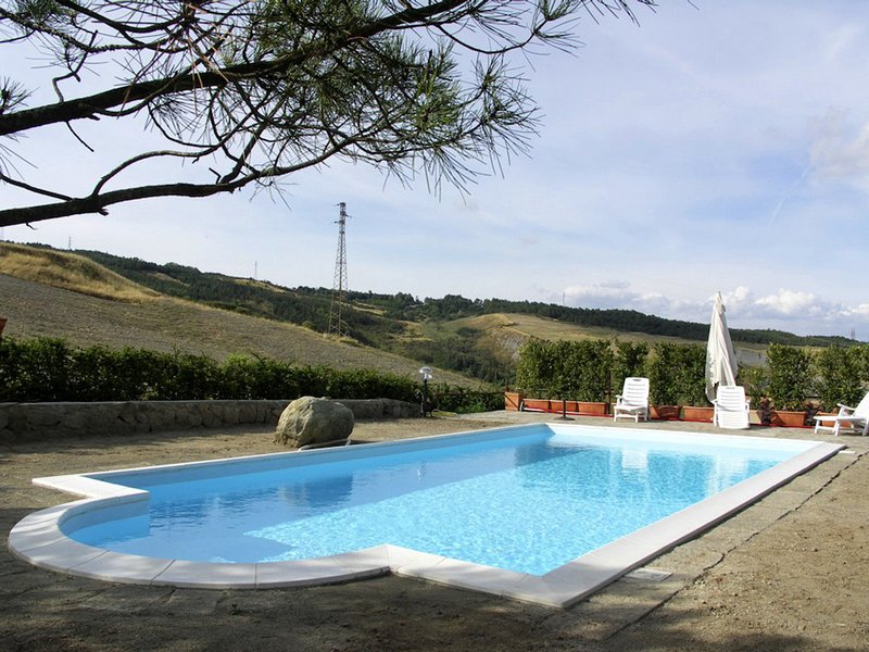 La Faggia Villa Sleeps 10 with Pool and WiFi - 5247889, casa vacanza a Piancastagnaio