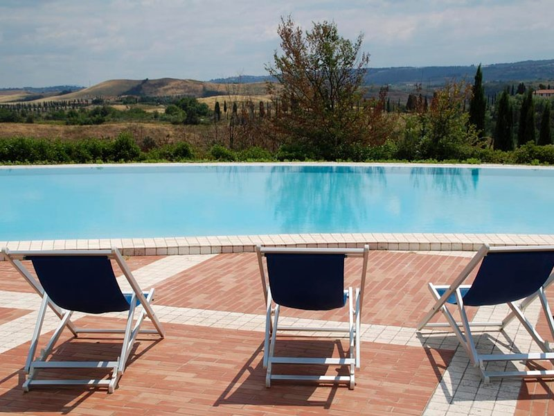 Coiano Villa Sleeps 29 with Pool Air Con and WiFi - 5247622, vacation rental in Corazzano