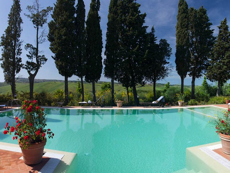 Coiano Villa Sleeps 12 with Pool and WiFi - 5247620, vacation rental in Corazzano