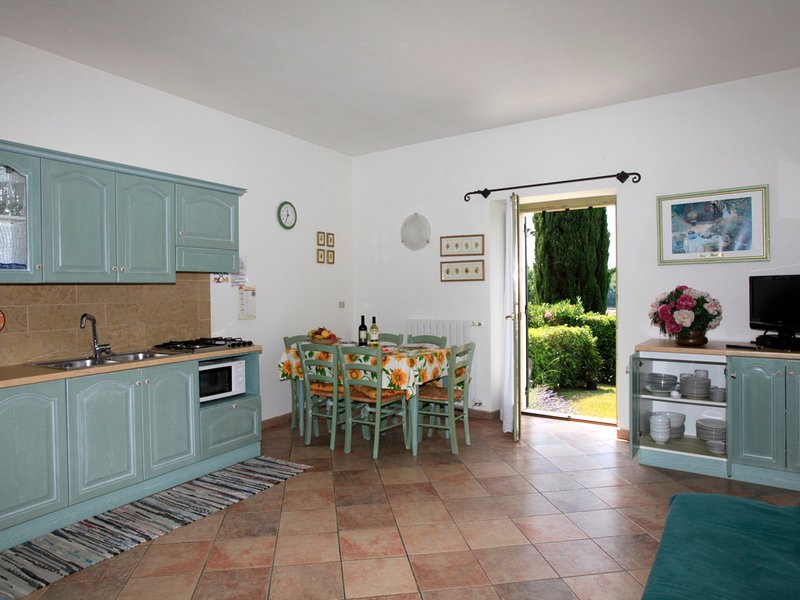 Garda Apartment Sleeps 5 with Pool and WiFi - 5248545, holiday rental in Garda