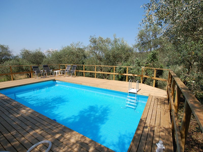 Sant'Andrea di Compito Villa Sleeps 10 with Pool and WiFi - 5247688, vacation rental in Guamo