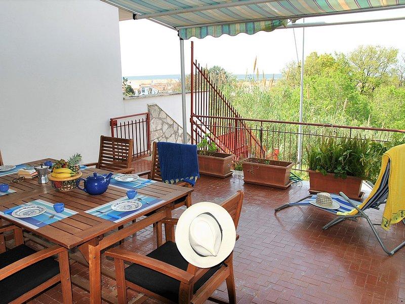 Sperlonga Villa Sleeps 7 with WiFi - 5248408, holiday rental in Sperlonga