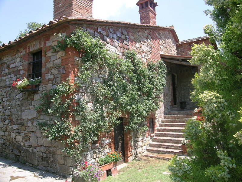 Montegiove Villa Sleeps 8 with Pool and WiFi - 5247520, vacation rental in Montegabbione