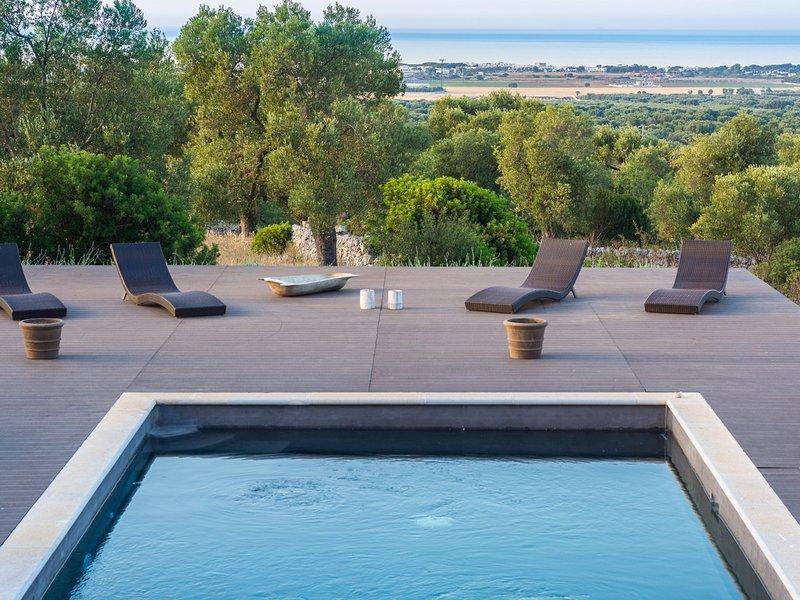 Carovigno Villa Sleeps 6 with Pool Air Con and WiFi - 5248135, holiday rental in Torre Santa Sabina