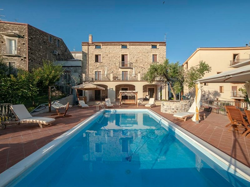 Vibonati Villa Sleeps 14 with Pool Air Con and WiFi - 5248272, vacation rental in Vibonati