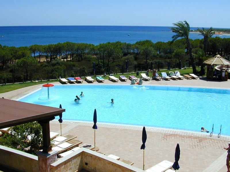Villaputzu Apartment Sleeps 4 with Pool Air Con and WiFi - 5248030, vacation rental in Villaputzu
