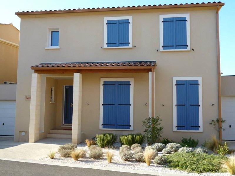 Maison provencale avec piscine pour 10 personnes, vacation rental in Baillargues